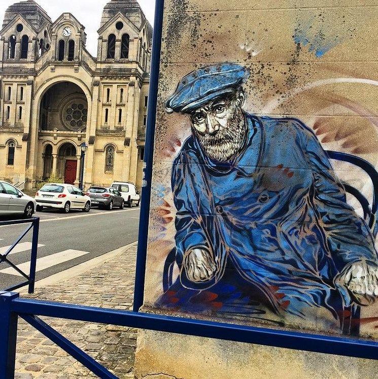 C215_Paris_France_Renoir